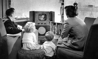 Family-watching-televisio-006