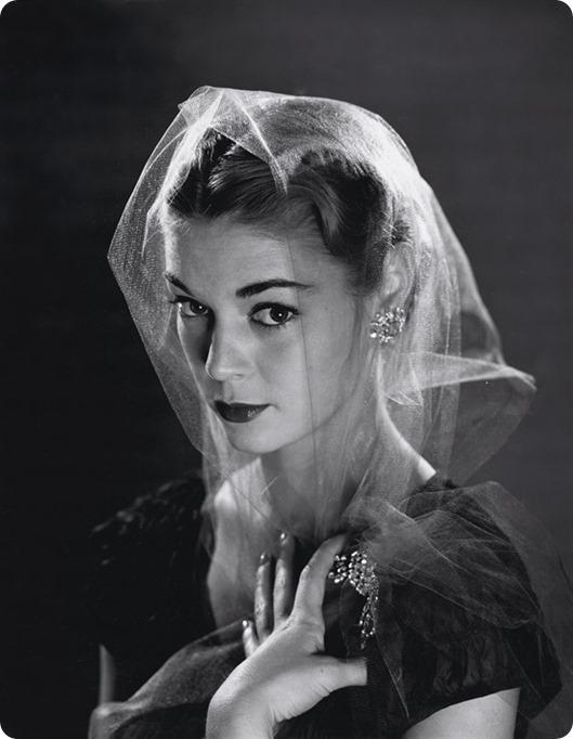 philippe-halsman-jean-patchett-'veils'-photographs-silver-print-zoom_550_709
